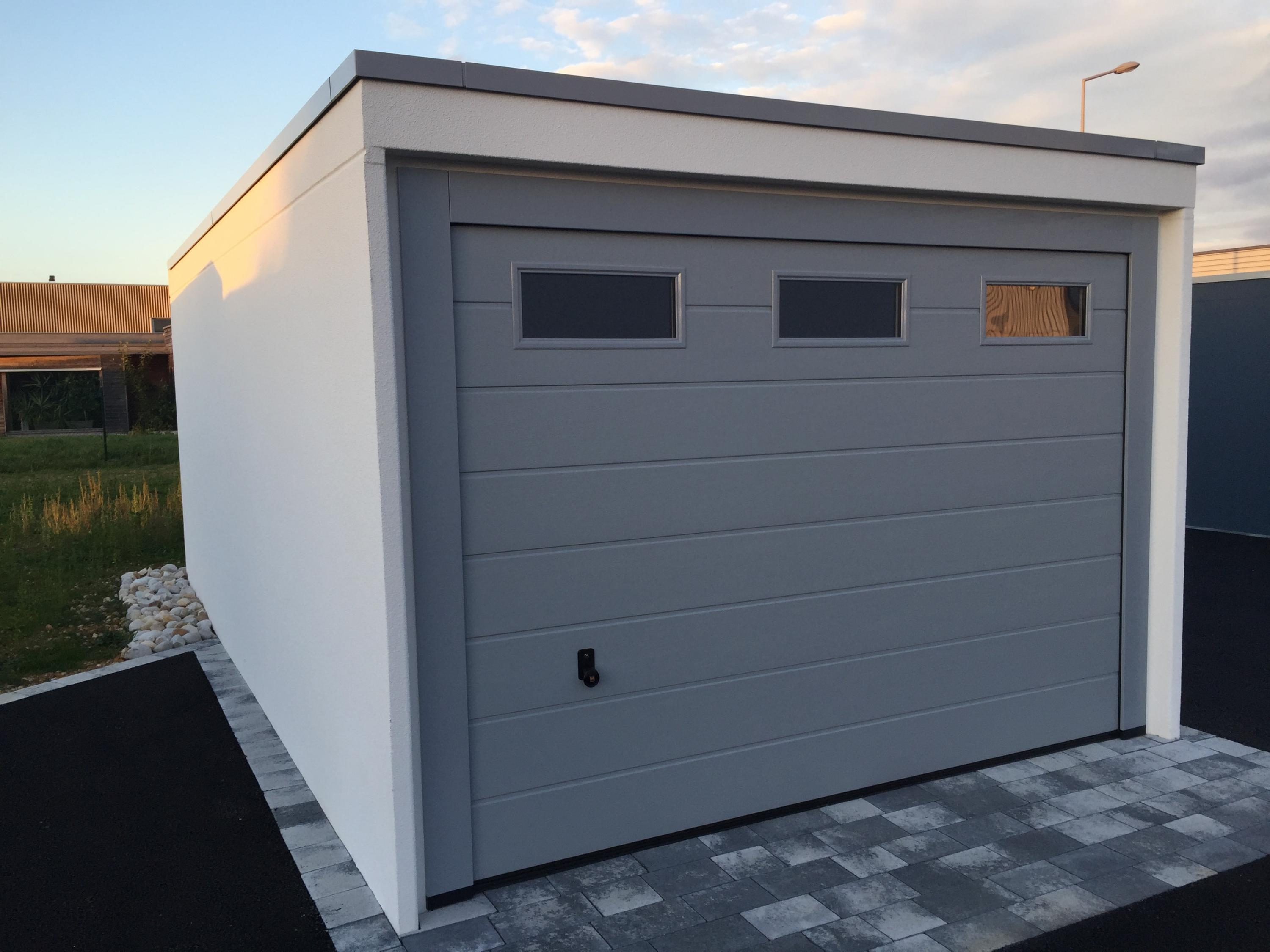 Showroom Garages Monobloc CDG